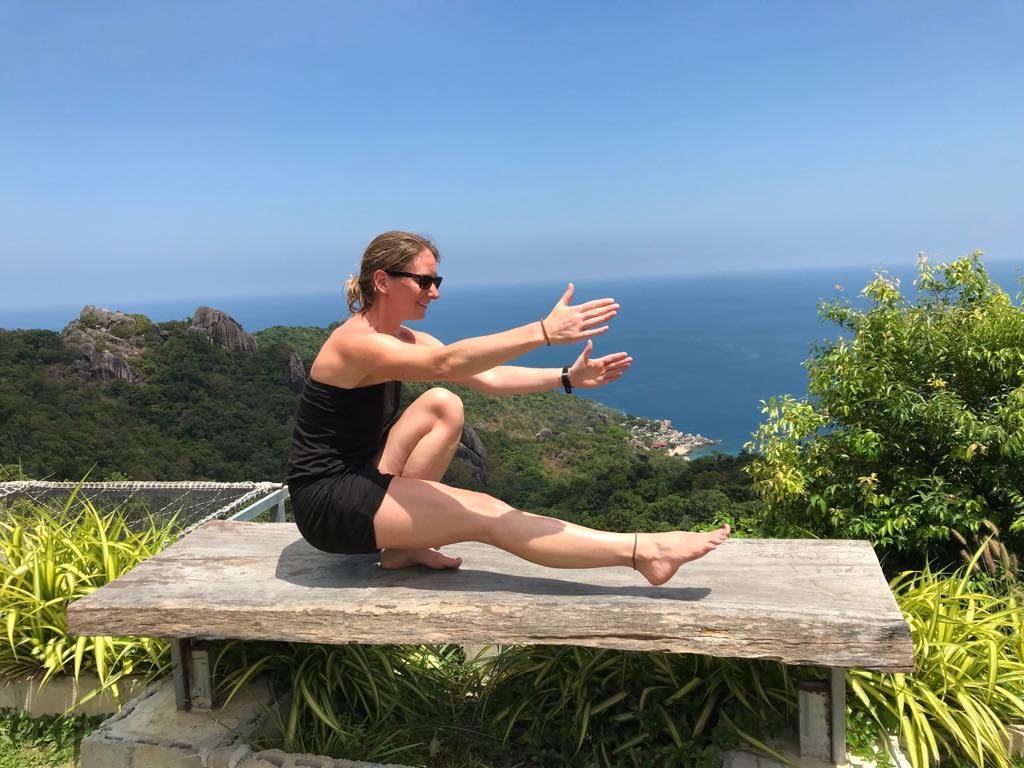 Kathrin beim Frühsport in Thailand!