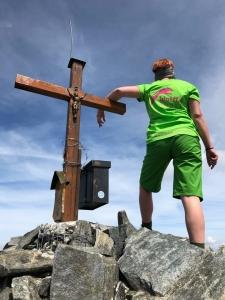Katja bei auf ihrer Wanderwoche Ende Juli 2019 auf dem Kuchenjöchle zum Scheibler auf 2978 m